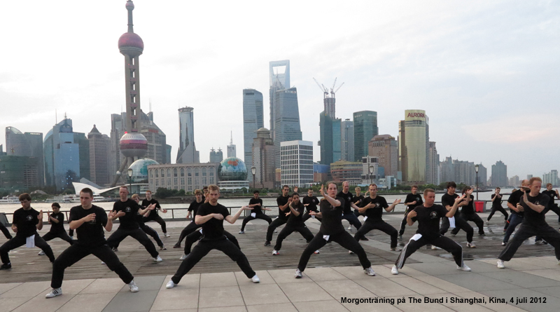 Morning training on The Bund in Shanghai, China, 2012-07-04